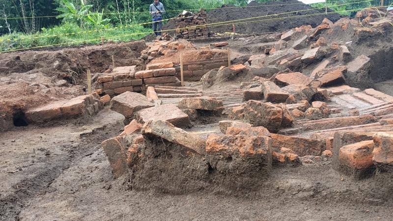 https: img-k.okeinfo.net content 2019 03 26 519 2035245 bangunan-kuno-di-proyek-tol-malang-dipastikan-tempat-pemujaan-era-kerajaan-singosari-jxzj83hs2x.jpg