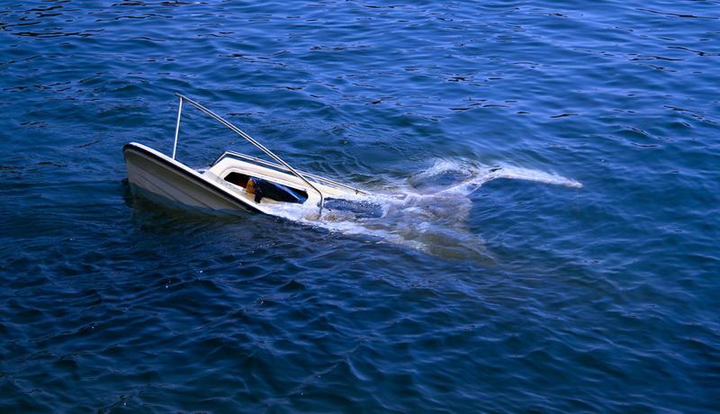 https: img-k.okeinfo.net content 2019 03 27 609 2035843 kapal-terbalik-diterjang-ombak-nelayan-hilang-di-perairan-tanakeke-kqL1khv8Jj.jpg