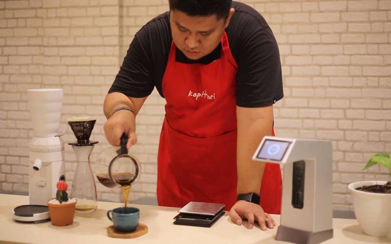 https: img-k.okeinfo.net content 2019 03 28 298 2036297 kopi-tiga-benua-wakili-indonesia-di-ajang-world-of-coffee-2019-Fc4KZTRkXh.jpg