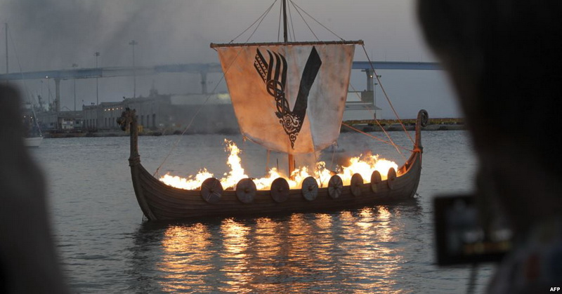 https: img-k.okeinfo.net content 2019 03 28 56 2036299 arkeolog-temukan-situs-makam-kapal-viking-kuno-di-norwegia-6k1GjFbLxX.jpg