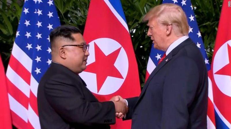 https: img-k.okeinfo.net content 2019 03 30 18 2037016 berhubungan-baik-dengan-kim-jong-un-trump-pilih-tak-jatuhkan-sanksi-baru-pada-korut-KnZAVQjZGD.jpg