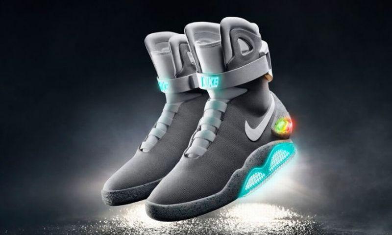 https: img-k.okeinfo.net content 2019 03 30 194 2037092 nike-air-mag-sepatu-legendaris-seharga-mobil-h8oD1orLhE.jpg