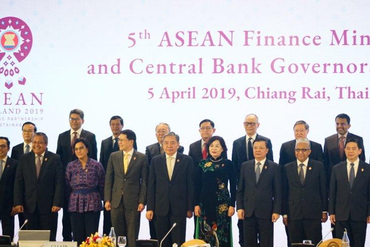 https: img-k.okeinfo.net content 2019 04 05 20 2039692 gubernur-bank-sentral-dan-menkeu-se-asean-tegaskan-komitmen-integrasi-keuangan-KpO8fCSlkT.jpg