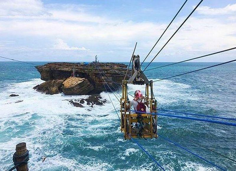 https: img-k.okeinfo.net content 2019 04 06 406 2040014 yogyakarta-raih-penghargaan-wisata-bahari-dan-ekstrem-Rq9zFnfilM.JPG