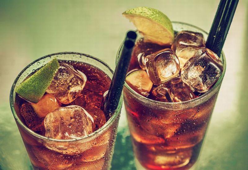https: img-k.okeinfo.net content 2019 04 08 481 2040369 bahaya-minum-soda-setelah-olahraga-UHK9qhXgaw.jpg