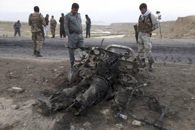 https: img-k.okeinfo.net content 2019 04 09 18 2041128 4-warga-as-tewas-terkena-serangan-bom-saat-konvoi-kendaraan-di-afghanistan-H3tLRY0jum.jpeg