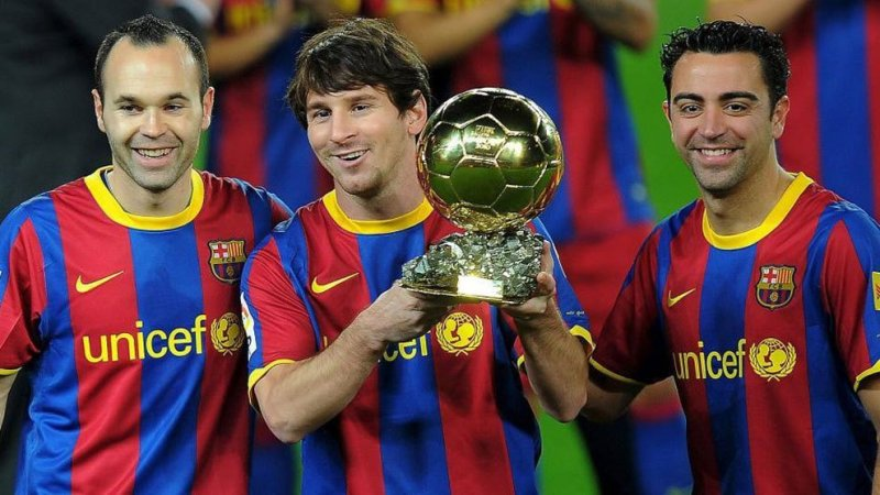 https: img-k.okeinfo.net content 2019 04 09 261 2041214 legenda-man-united-sebut-barcelona-sudah-tak-sehebat-dulu-ALbwdRXLa1.jpg