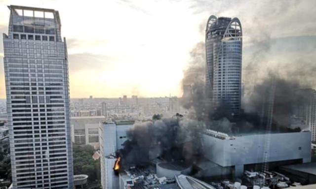 https: img-k.okeinfo.net content 2019 04 11 18 2041969 pusat-perbelanjaan-central-world-bangkok-kebakaran-2-orang-tewas-MNLrqoaR5Q.png