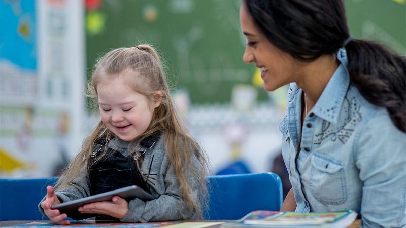 https: img-k.okeinfo.net content 2019 04 11 196 2042286 kpppa-sediakan-wadah-bagi-anak-penyandang-disabilitas-LeEZCBg1Xt.jpg