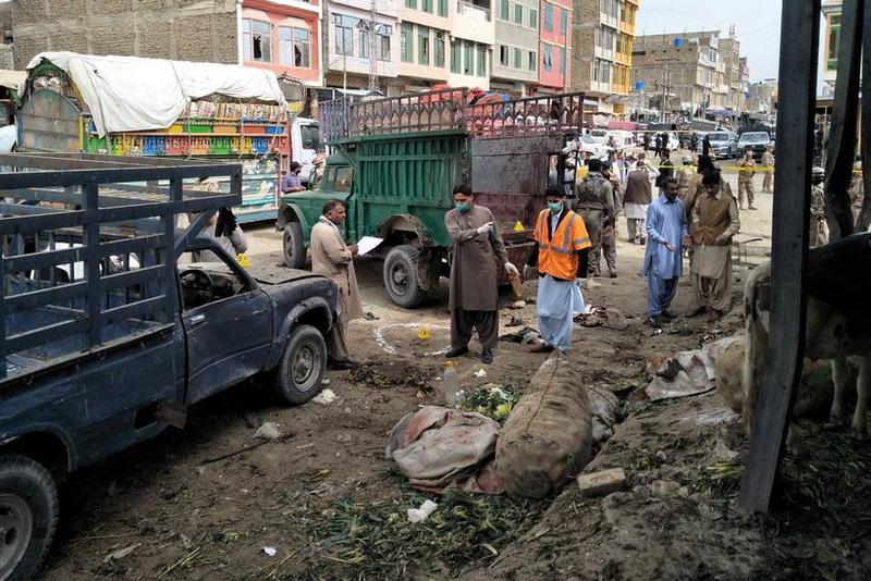https: img-k.okeinfo.net content 2019 04 12 18 2042536 ledakan-bom-di-pasar-pakistan-tewaskan-sedikitnya-16-orang-0vcc2PzR4v.jpg