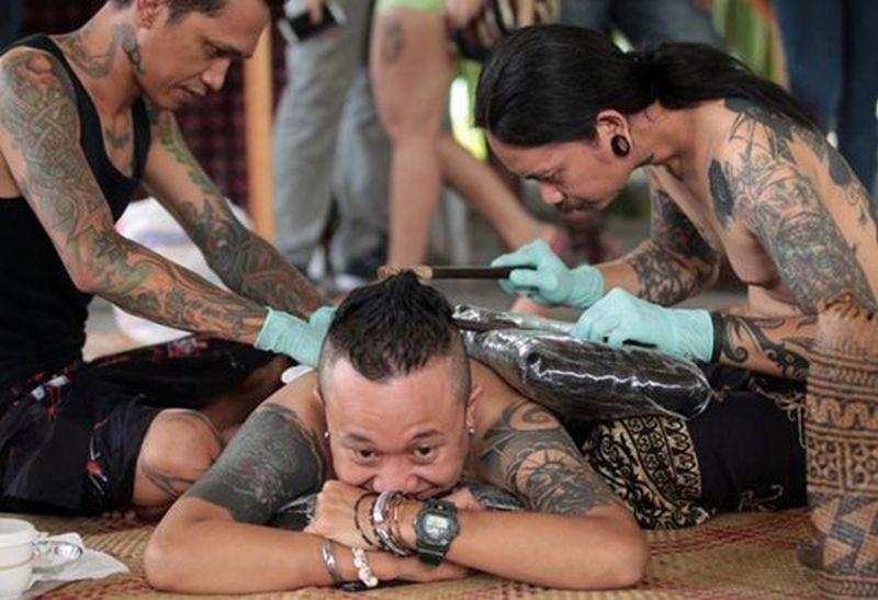 https: img-k.okeinfo.net content 2019 04 12 194 2042775 tato-tertua-ditemukan-di-indonesia-bentuknya-seperti-apa-136dkR5QqY.jpg