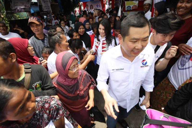 https: img-k.okeinfo.net content 2019 04 12 337 2042496 fokus-perjuangkan-rakyat-kecil-perindo-gelar-bazar-murah-serentak-nasional-di-seluruh-indonesia-g5vR31SrRf.jpg