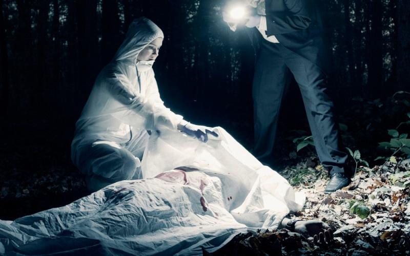 https: img-k.okeinfo.net content 2019 04 12 519 2042434 kepala-mayat-dalam-koper-ditemukan-terkubur-membusuk-di-kediri-37gCpEVZAD.jpg