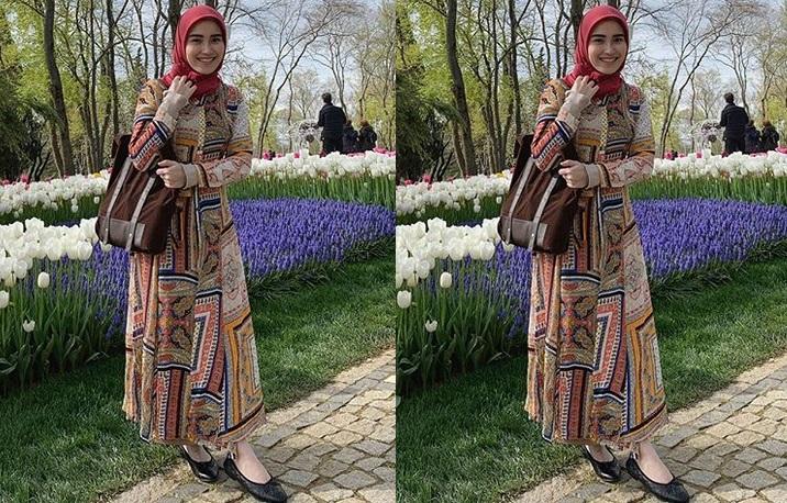 https: img-k.okeinfo.net content 2019 04 15 194 2043757 5-potret-ayu-ting-ting-pakai-hijab-saat-liburan-di-turki-bikin-adem-lihatnya-jJcwwkgVWn.jpg
