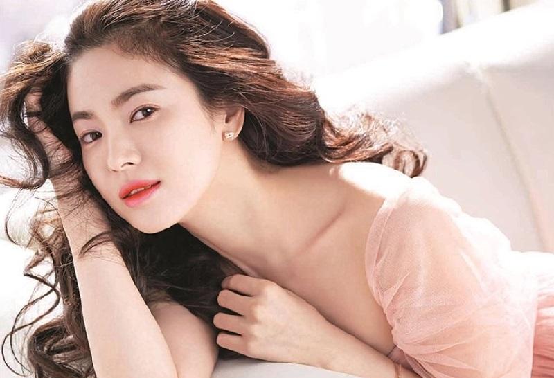 https: img-k.okeinfo.net content 2019 04 15 194 2043933 kosmetik-korea-makin-digandrungi-manfaat-bikin-glowing-paling-diincar-tgengLdQqi.jpg