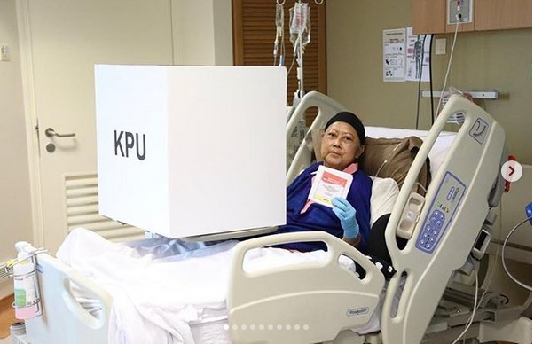 https: img-k.okeinfo.net content 2019 04 15 605 2043504 menjemput-suara-ani-yudhoyono-di-ruang-perawatan-rumah-sakit-singapura-d34szveJcz.jpg