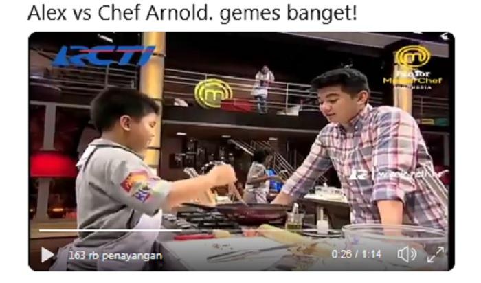 https: img-k.okeinfo.net content 2019 04 16 298 2044019 gemasnya-tingkah-chef-arnold-dan-alex-junior-masterchef-indonesia-AdDyLeXC77.jpg
