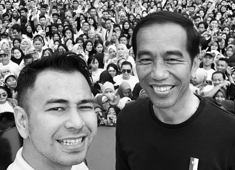 https: img-k.okeinfo.net content 2019 04 17 33 2044859 selfie-dengan-jokowi-raffi-ahmad-damai-indonesiaku-ntrXWi2EL9.jpg