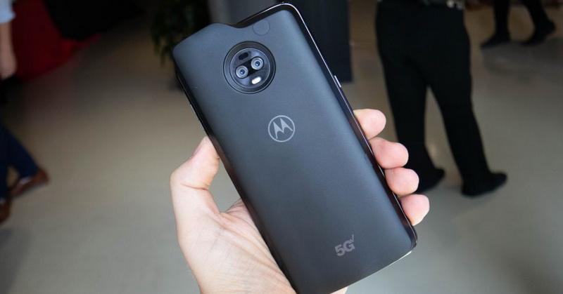 https: img-k.okeinfo.net content 2019 04 18 57 2045375 moto-z3-jadi-smartphone-5g-pertama-saingi-samsung-920njKSS3q.jpg