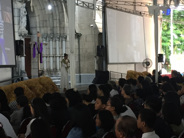 https: img-k.okeinfo.net content 2019 04 19 338 2045500 gereja-katedral-gelar-ibadah-jumat-agung-dan-prosesi-jalan-salib-X4bWW0LSEy.jpg