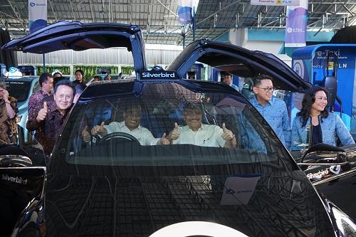 https: img-k.okeinfo.net content 2019 04 23 320 2046852 mobil-listrik-tesla-meledak-di-china-bagaimana-dengan-blue-bird-0K7RXFbrhl.jpg