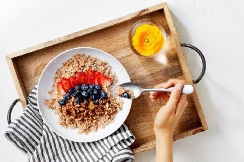 https: img-k.okeinfo.net content 2019 04 24 481 2047459 ternyata-ini-manfaat-sarapan-sebelum-olahraga-gBogzBTjD4.jpg
