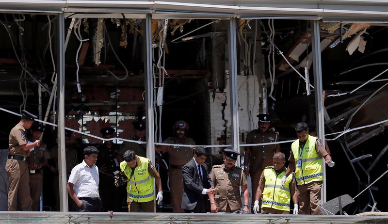 https: img-k.okeinfo.net content 2019 04 25 18 2047907 pelaku-serangan-bom-sri-lanka-terlihat-antre-sarapan-sebelum-meledakkan-diri-1QrifhkI6e.jpg