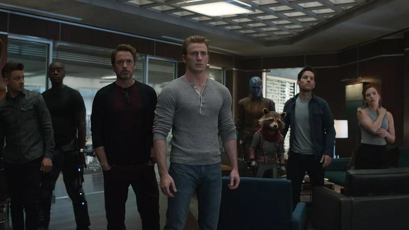 https: img-k.okeinfo.net content 2019 04 25 206 2047931 avengers-endgame-tak-punya-post-credit-scene-ada-misteri-lain-di-akhir-film-6yZd38xWBV.jpg