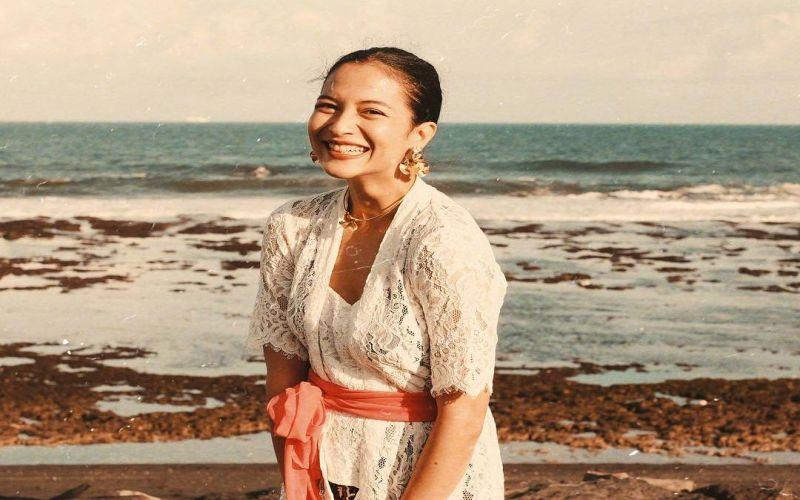 https: img-k.okeinfo.net content 2019 04 25 33 2048104 foto-kenakan-kebaya-putri-marino-disebut-mirip-chelsea-islan-YioXF9Ev2h.jpg
