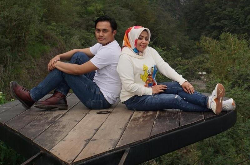 https: img-k.okeinfo.net content 2019 04 26 33 2048532 doa-muzdalifah-di-pernikahan-ke-4-IGwAap0XcJ.jpg