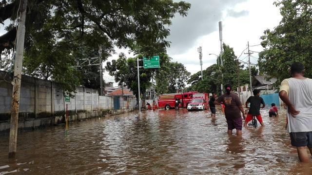 https: img-k.okeinfo.net content 2019 04 27 338 2048889 banjir-jakarta-tagar-aniesdimana-hingga-pertanyaan-soal-kelanjutan-program-naturalisasi-sungai-gZm26BdKau.jpg