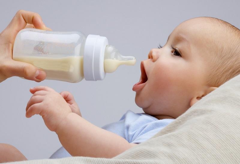 https: img-k.okeinfo.net content 2019 05 01 481 2050232 bayi-minum-susu-formula-lebih-rentan-terkena-obesitas-6TD5Ozev79.jpg