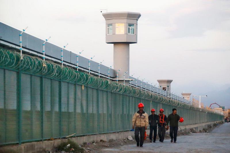 https: img-k.okeinfo.net content 2019 05 04 18 2051527 pejabat-as-sebut-china-tahan-hampir-3-juta-warga-muslim-di-kamp-konsentrasi-6aqx3llDxk.jpg