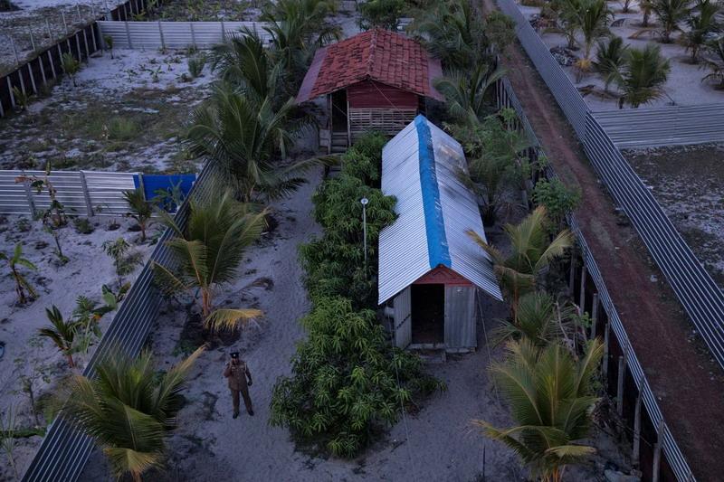 https: img-k.okeinfo.net content 2019 05 06 18 2052141 polisi-sri-lanka-temukan-lokasi-diduga-kamp-latihan-militan-pelaku-serangan-bom-EtQx3sRRTE.jpg