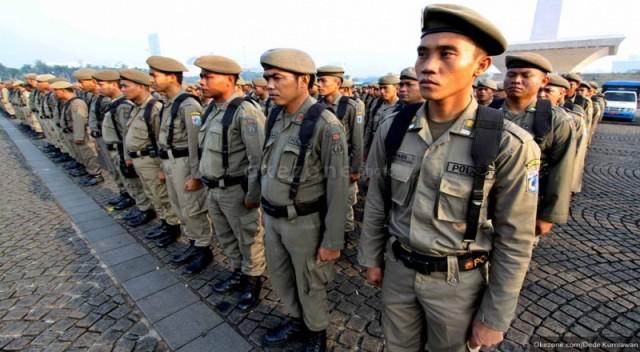 https: img-k.okeinfo.net content 2019 05 08 338 2053015 satpol-pp-gelar-patroli-malam-untuk-halau-sahur-on-the-road-di-jakarta-GbiLo4GHtc.jpg