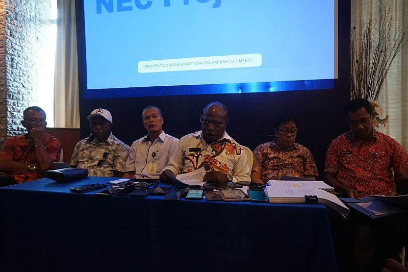 https: img-k.okeinfo.net content 2019 05 09 340 2053550 jumlah-pengidap-hiv-aids-di-papua-lebih-dari-40-ribu-orang-xCHYE9gCUP.jpg