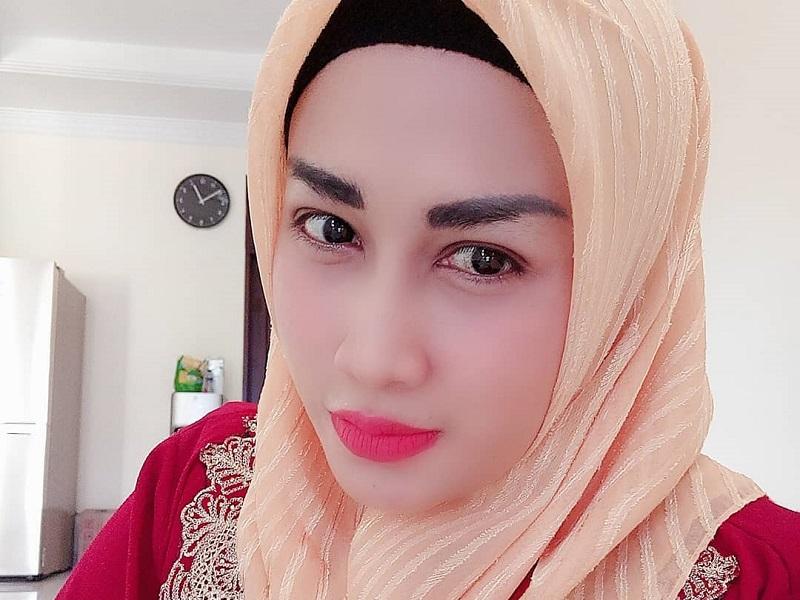 https: img-k.okeinfo.net content 2019 05 10 617 2054138 transformasi-melinda-cinta-satu-malam-saat-pakai-hijab-syar-i-jMlMpIlda2.jpg