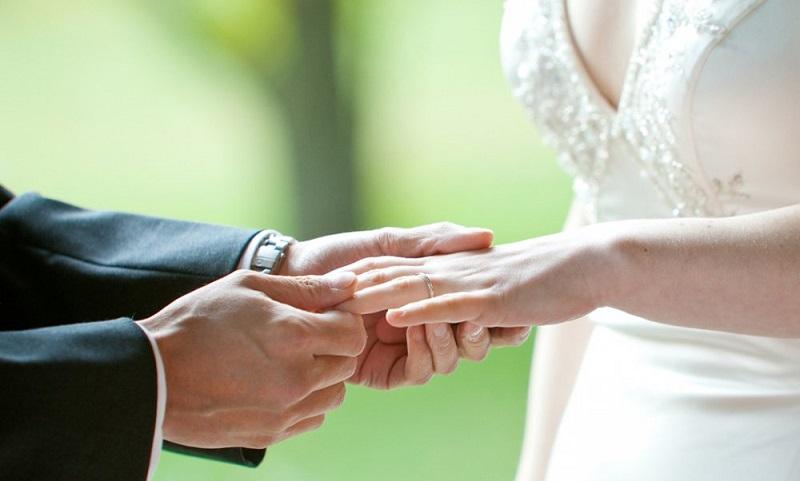 https: img-k.okeinfo.net content 2019 05 12 194 2054547 ingin-punya-istri-cantik-menikahlah-dengan-wanita-dari-6-daerah-ini-ayNp5QG01q.jpg