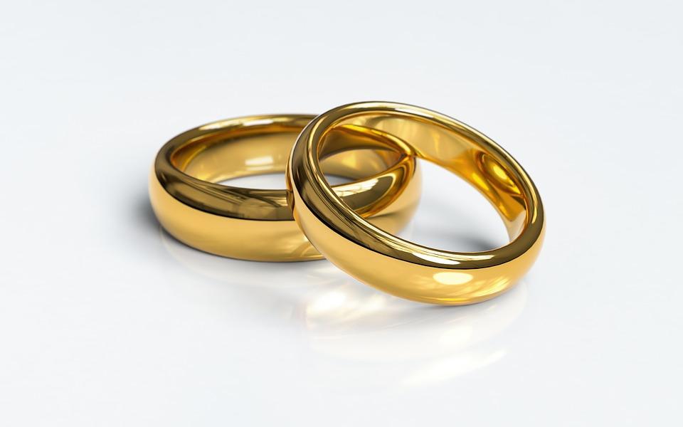 https: img-k.okeinfo.net content 2019 05 12 196 2054724 kisah-kebahagiaan-koh-acan-yang-berhasil-satukan-perbedaan-dengan-sang-istri-NOr1oawkDh.jpg