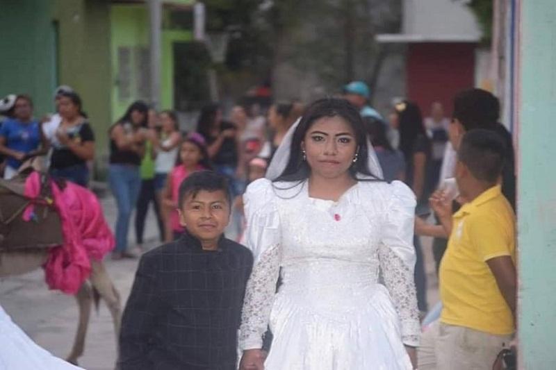 https: img-k.okeinfo.net content 2019 05 13 196 2054861 viral-foto-bocah-menikah-dengan-perempuan-dewasa-ternyata-ini-faktanya-DqRaqslS47.jpg
