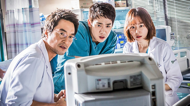 https: img-k.okeinfo.net content 2019 05 14 598 2055484 yoo-yeon-seok-dan-seo-hyun-jin-batal-bintangi-romantic-doctor-kim-2-YMAUBdhG28.jpg