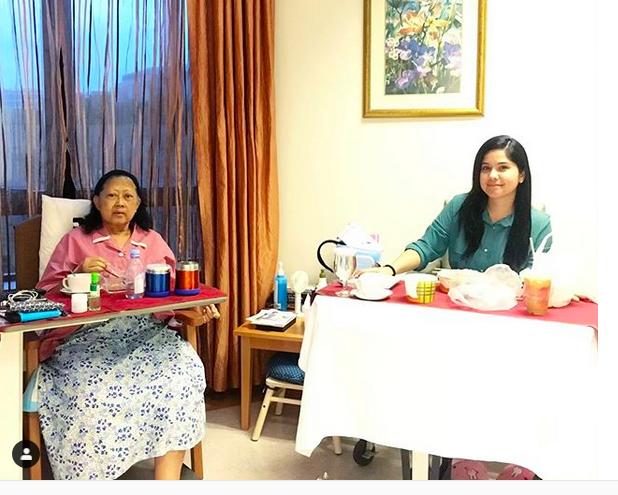 https: img-k.okeinfo.net content 2019 05 14 614 2055327 buka-puasa-di-rumah-sakit-annisa-pohan-tulis-ini-untuk-ani-yudhoyono-HF3d8Ryx91.png