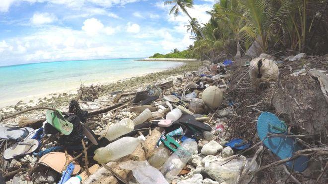 https: img-k.okeinfo.net content 2019 05 19 18 2057559 peneliti-temukan-tumpukan-sampah-sandal-bekas-di-sebuah-pulau-selatan-jawa-P5ib4m5nA3.jpg