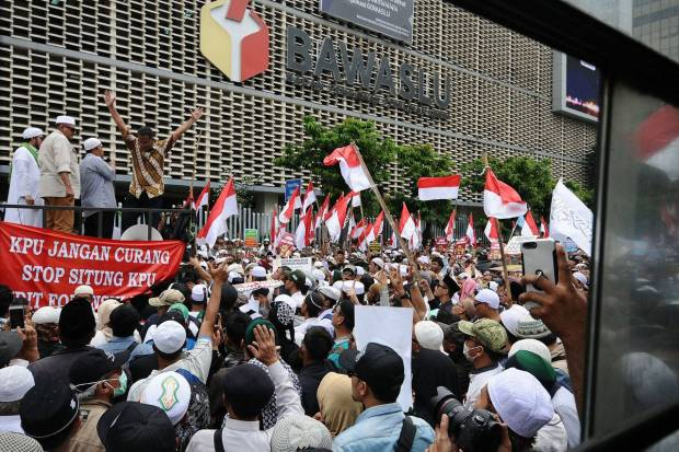 https: img-k.okeinfo.net content 2019 05 21 338 2058190 jelang-aksi-22-mei-ini-imbauan-ltm-pwnu-dki-untuk-takmir-masjid-KQpJk7kXGa.jpg