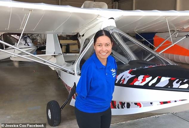 https: img-k.okeinfo.net content 2019 05 23 196 2059246 terlahir-tak-miliki-tangan-wanita-ini-sukses-menjadi-pilot-7etAlZmapB.jpg