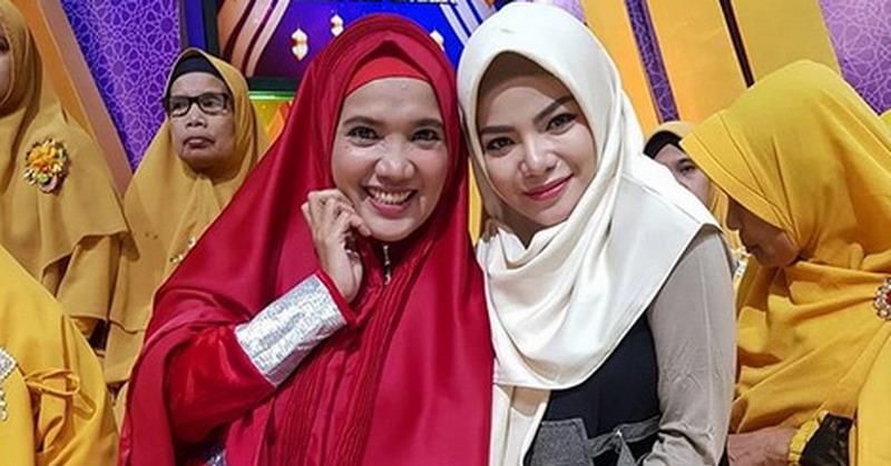 https: img-k.okeinfo.net content 2019 05 23 33 2059626 dinar-candy-mau-selamanya-pakai-hijab-asal-SIjGEWNXUV.jpg
