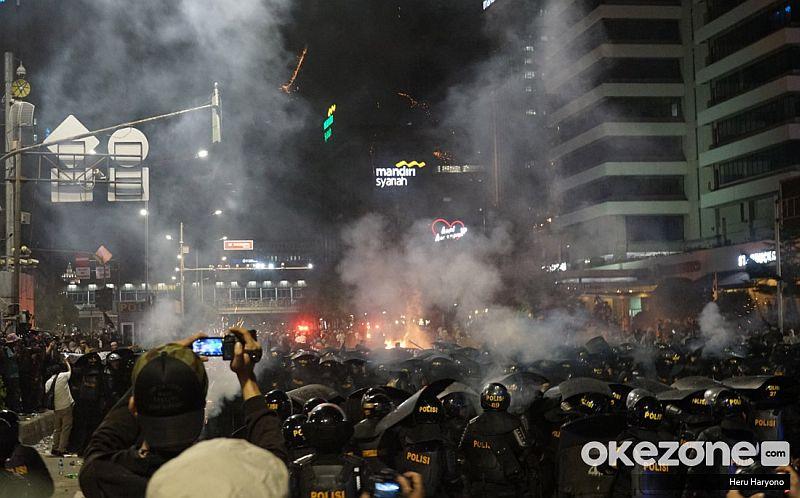 https: img-k.okeinfo.net content 2019 05 23 337 2059508 aksi-22-mei-polisi-ungkap-sosok-wanita-bercadar-yang-ditangkap-di-gedung-bawaslu-FvuJ7RKyJp.jpg