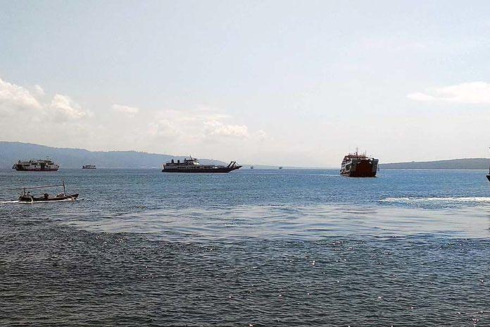 https: img-k.okeinfo.net content 2019 05 24 244 2059953 arus-mudik-2019-penumpang-di-pelabuhan-gilimanuk-naik-hingga-7-aPj3XJuqQP.jpg