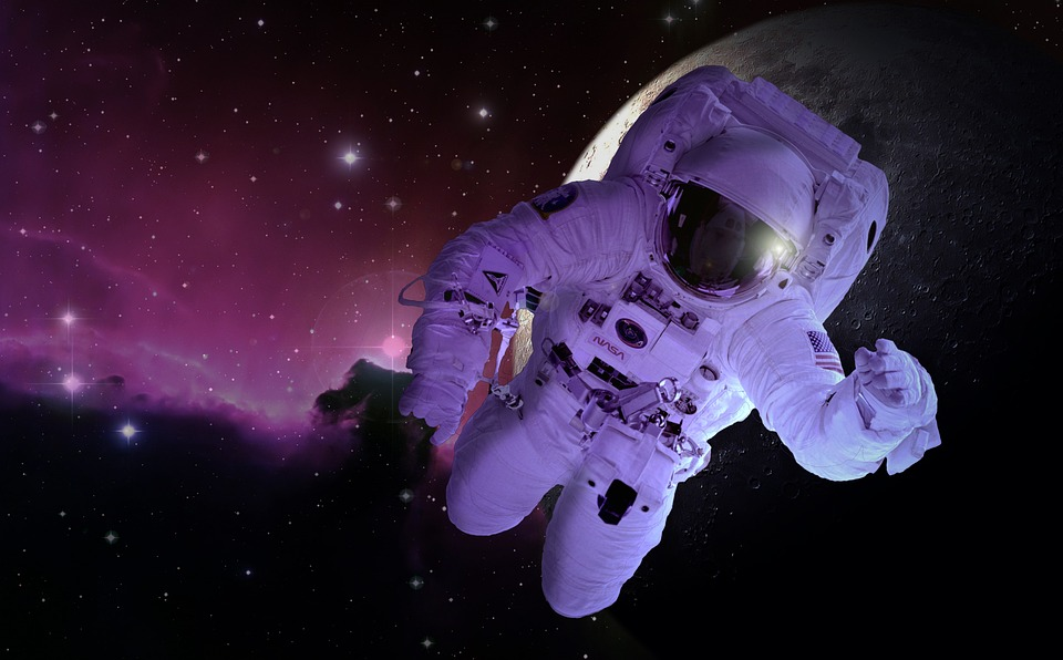 https: img-k.okeinfo.net content 2019 05 24 615 2060138 bagaimana-astronot-beribadah-salat-dan-berpuasa-di-pesawat-luar-angkasa-UnuUXfWLeJ.jpg