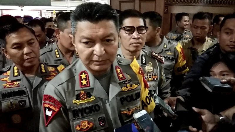 https: img-k.okeinfo.net content 2019 05 27 512 2060901 polisi-uji-balistik-proyektil-penembakan-mako-brimob-purwokerto-RGAqX9cGaD.jpg